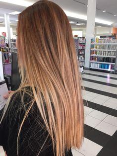 Curly Ginger Hair, Ginger Hair Color, Hair Color Streaks, Hair Highlights, Pretty Hairstyles, Straight Hairstyles, Hair Inspo, Hair Inspiration, Brown Blonde Hair