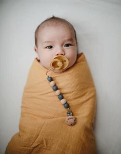 Mushie // The Good Trade // #baby #babyblanket #blankie #swaddle #babyswaddle #swaddledbaby #organic #cotton #cottonbaby #naturalbaby #organicbaby Organic Baby, Organic Cotton, Cute Babies, Baby Kids, Newborn Photography Studio, Gender Neutral Baby, Baby Warmer, Baby Swaddle, Natural Baby