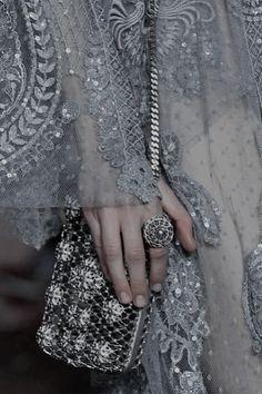 The details on this ELIE SAAB bodybag are to die for. Elie Saab Couture, Couture Mode, Couture Fashion, Runway Fashion, Womens Fashion, Fashion Beauty, Couture Details, Fashion Details, Fashion Design