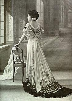 peter pan Mrs. Darling in housecoat - Google Search