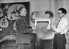 """p.386,Sarane Alexandrian: """"Aujourd'hui, aucun conservateur de musée, aucun critique d'Art, aucun artiste d'avant-garde même, ne peut se rendre compte de l'entreprise extraordinaire que fut la VIIIème Exposition du Surréalisme de 1947. Il n'y eut nulle part rien de comparable, pas plus aux Etats-Unis qu'en Europe."""" Ce fut la plus grande provocation poétique de l'après-guerre. Sous les directives d'André Breton et de Marcel Duchamp, la galerie Maeght fut transformée en un temple de l'insolite."""