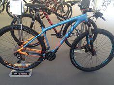 Felt 2015 MTB Dutch colors.