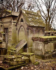 Cimetière du Père Lachaise--I'd love to re-visit this place now that I am old enough to appreciate it...
