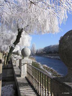 Burgos, cargada de historia. sol y frio en invierno.