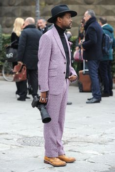 With looks like this, we're more and more convinced to start wearing suits.