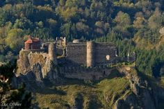 Château Fort, France Art, Beaux Villages, Rhone, Timeline Photos, Art And Architecture, Monument Valley, Forts, Knights
