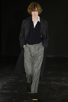 See the complete E. Tautz Fall 2017 Menswear collection.