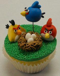 Angri birts cupcake