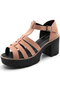Sandália FiveBlu Tiras Nude - Marca FiveBlu Clogs, Nude, Products, Fashion, Socks, Brazil, Style, Clog Sandals, Moda