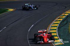 Sebastian Vettel, Ferrari SF70H Formula 1, Ferrari, Racing, Car, Running, Automobile, Auto Racing, Autos, Cars