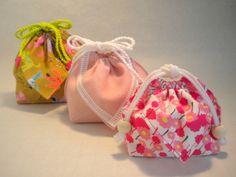 正方形1枚で作る巾着ポーチの作り方レシピ | HIBI LABO JOURNAL