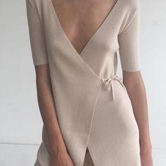 """Paloma Wool / (@palomawool) en Instagram: """"The Letice dress Shop it at link in bio"""""""