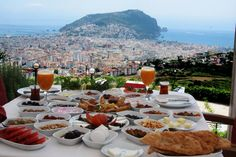 Turkish Breakfast at Zirve Restaurant Alanya - a must not be missed activity when staying here Turkish Breakfast, Spaghetti, Food Porn, My Life Style, Restaurant, Food Pictures, Delish, Tasty, Lunch