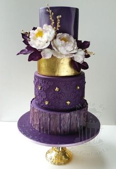 wedding cakes purple Purple and gold cake Purple And Gold Wedding, Purple Wedding Cakes, Beautiful Wedding Cakes, Beautiful Cakes, Amazing Cakes, Purple Gold, Blush Pink, Rose Gold, Fondant Cakes