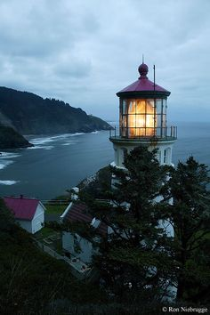HECETA HEAD LIGHTHOUSE. Heceta Head Lighthouse, Oregon Coast