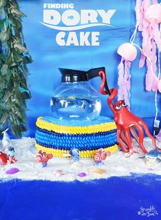 Finding Dory Cake! Make this simple cake with chocolates and store bought toys!