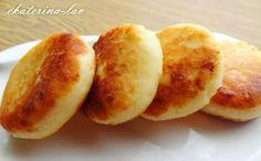 Очень творожные сырники с манкой без яиц