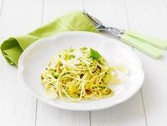 Avokadopasta kookos & lime My Cookbook, Spaghetti, Lime, Ethnic Recipes, Food, Limes, Essen, Meals, Yemek