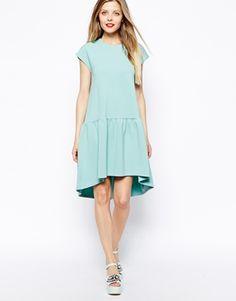 Aumentar Vestido recto con cintura caída con textura de ASOS