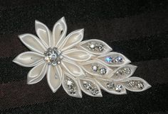 Items similar to Bridal Fascinator, Hair Accessories, Hair Fascinator, Kansashi Hair Fascinator, Bridal Bling on EtsyDiscover thousands of images about Bruids Fascinator haaraccessoires Hair door BittysJewelryAndMoreHow to Make Kanzashi Flower Haircl Ribbon Art, Diy Ribbon, Fabric Ribbon, Ribbon Crafts, Ribbon Flower Tutorial, Cloth Flowers, Satin Flowers, Flowers In Hair, Fabric Flowers