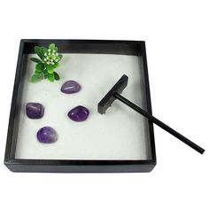 Contains: 1x bamboo tray, fine sand, 1x rake, 4x gemstones, miniature tree (plastic); Size: 12.5 x 3 x 12.5cm; Presentation box and information leaflet included.