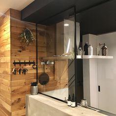 Kitchen/エアプランツ/レンジフードの上/スワッグ/シェーカー/いつもいいね!ありがとうございます♪...などのインテリア実例 - 2018-01-27 03:58:13 | RoomClip (ルームクリップ) Bathroom Lighting, Divider, Mirror, Interior, Kitchen, Furniture, Home Decor, Bathroom Light Fittings, Bathroom Vanity Lighting