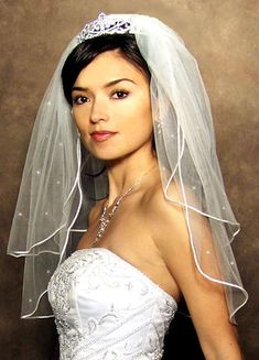 Inspiration for your wedding - the veil tiara combo. Learn tips for wearing a tiara and attaching a veil by clicking the picture! Bride Tiara, Bride Veil, Headpiece Wedding, Wedding Veils, Bridal Hair, Bridal Headpieces, Wedding Hairstyles With Crown, Veil Hairstyles, Short Veil