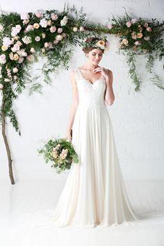 Raina   Raina   Chiffon   Wedding Dress   Ivory   Deep Ivory   Slim a Line   Floety   drape   straps   Lace   Sparkle   Charlotte Blabier   Charlotte Balbier