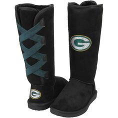 Shop Green Bay Packers women's apparel and clothing at Fanatics. Ladies, gear up with Green Bay Packers women's jerseys, shirts and clothing from top brands at Fanatics today. Clay Matthews, Football Fashion, Aaron Rodgers, Fashion And Beauty Tips, New T, Fan Gear, Green Bay Packers, Bearpaw Boots, Fashion Shoes