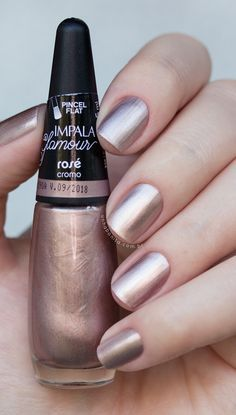How to get gel nail polish off at home, Pale blue nails. Metallic Nails, Matte Nails, My Nails, Hair And Nails, Black Nails, Stiletto Nails, Perfect Nails, Gorgeous Nails, Pretty Nails