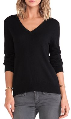casual v-neck sweater  http://rstyle.me/n/n8jjwpdpe
