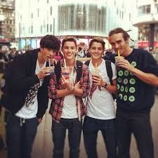 Sam Pepper :), Jack Harries, Finn Harries and Louis Cole. My luvvies Hot Youtubers, British Youtubers, Finn Harries, Sam Pepper, Louis Cole, Marcus Butler, Jack Finn, Ricky Dillon, Joey Graceffa