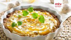 Pääsiäisen keväinen piirakka syntyy maistuvasta Kauramurotaikinasta. Täytteenä ihanassa piirakassa on raikasta mangoa. Turkkilainen paksu jogurtti antaa piirakalle ihanan raikkaan maun.