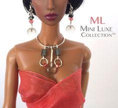 Ähnliche Artikel wie Silkstone Barbie Mode Puppe - Halskette und Ohrringe - Schmuck Mode lizenzfreie Puppen, Poppy Parker und Barbie-Puppen auf Etsy