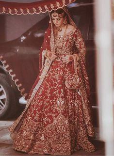 Latest Bridal Dresses, Asian Bridal Dresses, Simple Pakistani Dresses, Pakistani Wedding Outfits, Designer Party Wear Dresses, Pakistani Wedding Dresses, Wedding Dresses For Girls, Pakistani Dress Design, Stylish Dresses For Girls