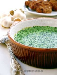 spinach / mancare de spanac Stevia, Romanian Food, Romanian Recipes, Cooking Recipes, Healthy Recipes, Healthy Foods, Good Food, Yummy Food, Recipe Boards