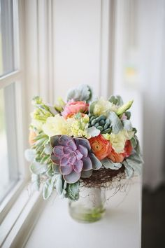 I love succulents in a bouquet! These succulents have a lovely purple tinge to them and can make a bouquet look really special and exotic. Floral Wedding, Wedding Bouquets, Wedding Flowers, Fresh Flowers, Beautiful Flowers, Succulent Bouquet, Succulent Centerpieces, Succulent Plants, Cactus Y Suculentas