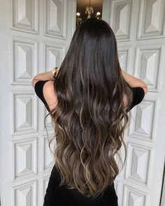 87 unique ombre hair color ideas to rock in 2018 - Hairstyles Trends Brown Hair Balayage, Hair Highlights, Ombre Hair Color, Hair Color For Black Hair, Wavy Black Hair, Long Wavy Hair, Light Brown Hair, Beautiful Long Hair, Hair Looks