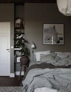 Boy Room: See 75 creative ideas and designs with photos - Home Fashion Trend Bedroom Green, Small Room Bedroom, Home Bedroom, Bedroom Wall, Bedroom Decor, Design Bedroom, Bedroom Lamps, Wall Lamps, Bedroom Lighting