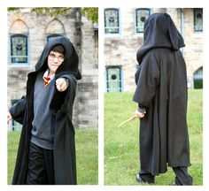 great tutorial for DIY harry potter costume, includes robe, tie, sweater, and scarf.