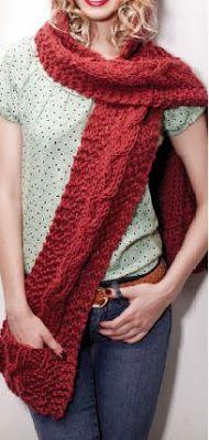 Bufanda con capucha y bolsillos tejida a palillo accesorios tejidos a palillo OjoconelArte.cl |