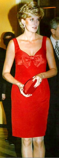 *m. DIANA. PRINCESS IN RED !!!