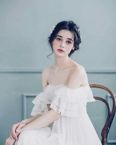 gaitay gaiaumy gaidep nice pretty beautiful girl girly stars famous idol superstar thichngamgai xinhdep beauty us uk model nguoimau casi dienvien hollywood Pretty People, Beautiful People, Poses References, Portrait Inspiration, Ulzzang Girl, Girl Face, Girl Smile, Aesthetic Girl, Cute Girls