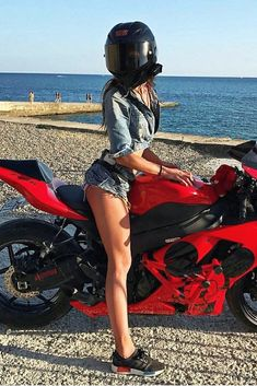 Super Hot Biker Girl in a Cool AGV Helmet Sitting on Her Kawasaki Ninja Motorcycle Best Motorcycle Boots, Ninja Motorcycle, Motorcross Bike, Motorbike Girl, Motorcycle Helmets, Lady Biker, Biker Girl, Moto Ninja, Biker Photoshoot