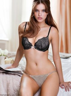 Barbara Palvin de lingerie Victoria Secret | Fab Fashion Fix