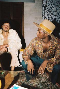 70s Fashion Men, 70s Inspired Fashion, European Fashion, Fashion Tips, 70s Black Fashion, Vintage Inspired, Vintage Fashion Men, Fashion Boots, Fashion Vest