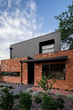 Box House by Paul Tilse Architects - Canberra Extension Architecture - The Local Project House Cladding, Exterior Cladding, Facade House, House Facades, Modern Architecture House, Interior Architecture, Chinese Architecture, Futuristic Architecture, Facade Design