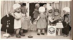 1950 Puppensalon mit Celluloidpuppen   Flickr - Photo Sharing!