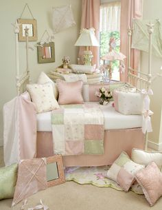 Adorable 4 piece crib set includes a quilt, bumper, cream fitted sheet, and solid pink crib skirt