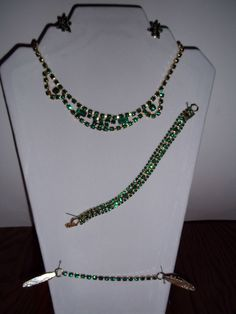 Vintage 4 pc. Emerald Green Rhinestone Necklace  Bracelet  Earrings  Blouse Clip